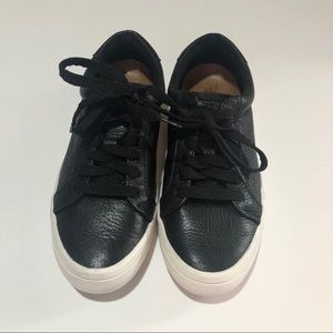 FRYE KERRY LOW- LACE LEATHER SNEAKERS - size 6